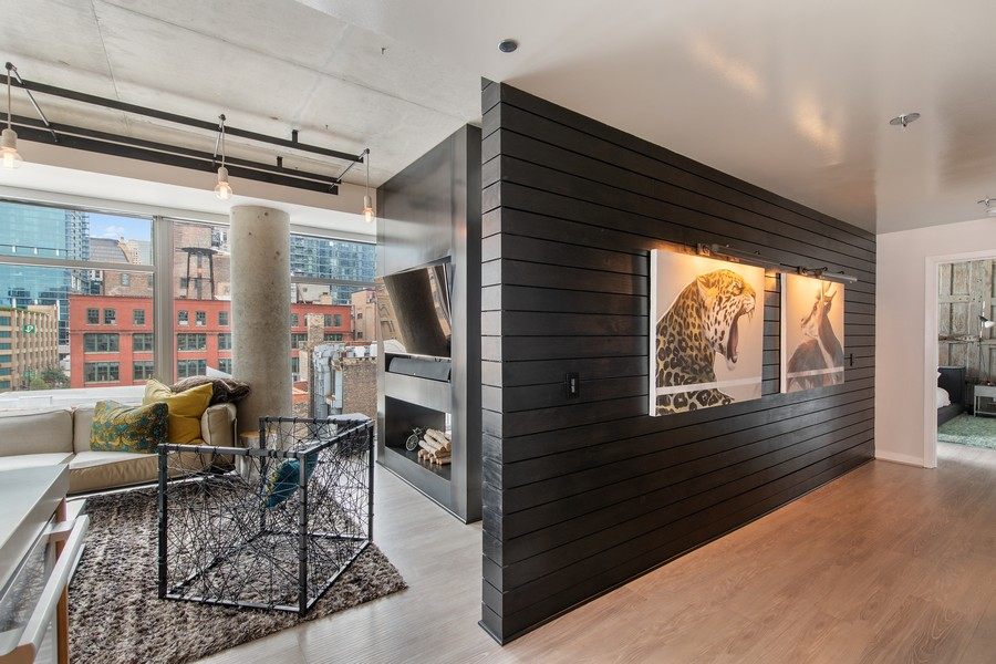 Real Estate Photography - 201 W Grand, #602, Chicago, IL, 60654 - Hallway