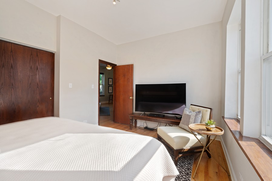 Real Estate Photography - 5812 N Wayne Ave, Unit 3B, Chicago, IL, 60660 - Bedroom