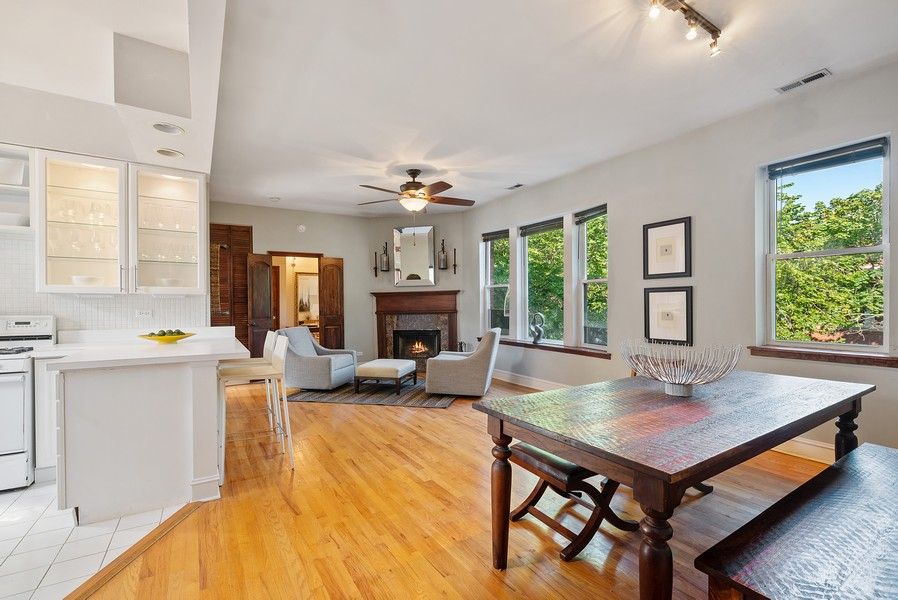 Real Estate Photography - 5812 N Wayne Ave, Unit 3B, Chicago, IL, 60660 - Great Room