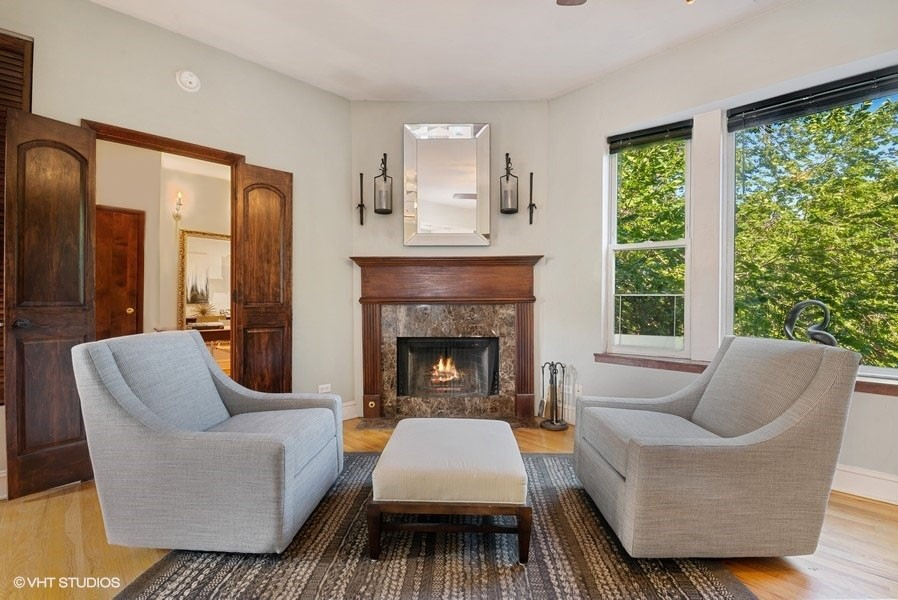 Real Estate Photography - 5812 N Wayne Ave, Unit 3B, Chicago, IL, 60660 -
