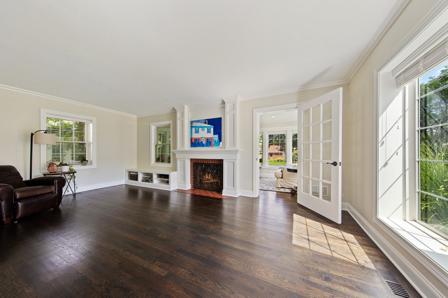 Real Estate Photography - 4144 Harvey Avenue, Western Springs, IL, 60558 - Living Room