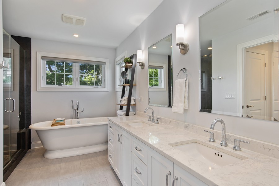 Real Estate Photography - 4144 Harvey Avenue, Western Springs, IL, 60558 - Master Bathroom