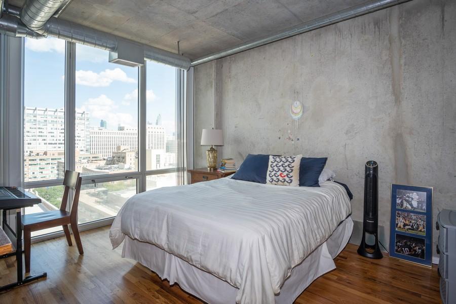Real Estate Photography - 700 W Van buren, 1403, Chicago, IL, 60607 - Master Bedroom