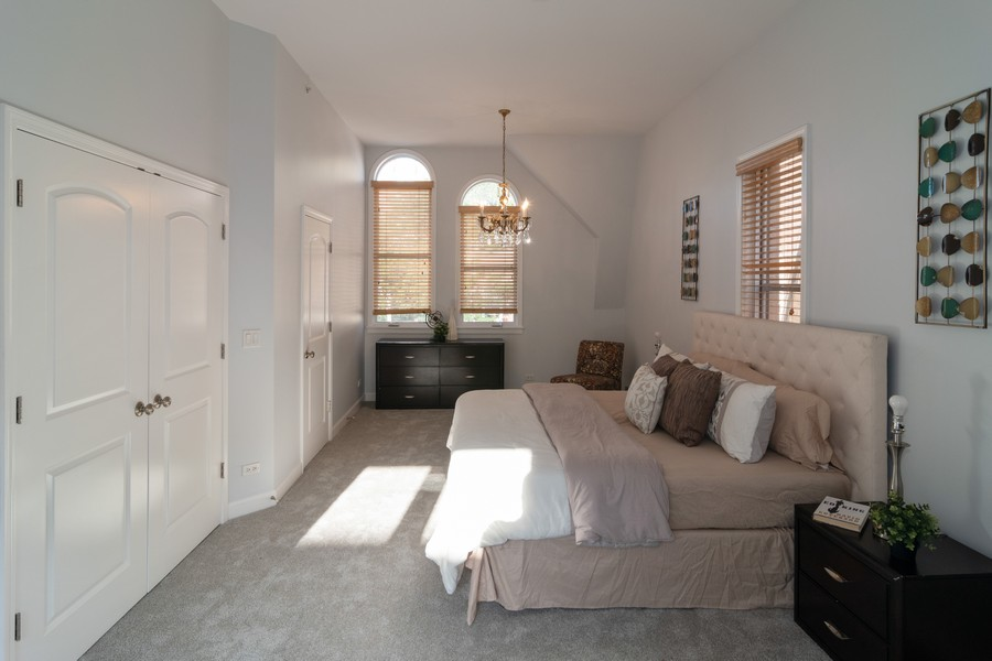 Real Estate Photography - 186 N Marion Ave, Oak Park, IL, 60302 - Master Bedroom