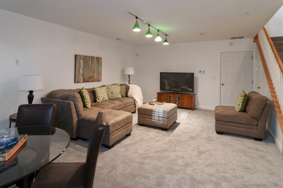 Real Estate Photography - 186 N Marion Ave, Oak Park, IL, 60302 - Family Room