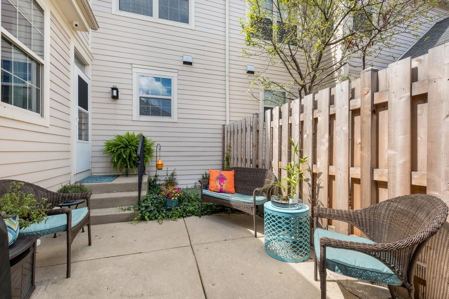 Real Estate Photography - 2217 Patriot Blvd, Glenview, IL, 60026 - Patio