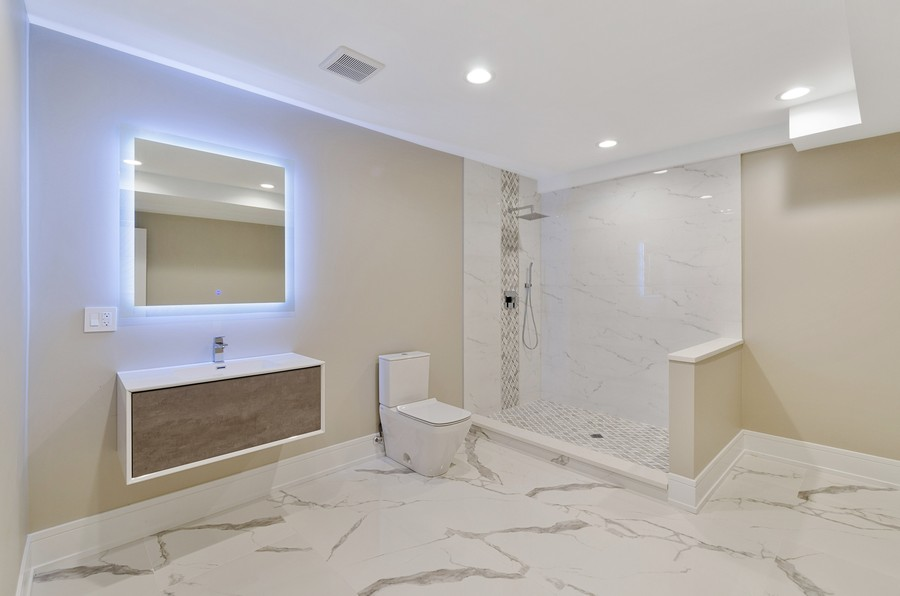 Real Estate Photography - 3602 Lawson Rd, Glenview, IL, 60026 - 3rd Bathroom