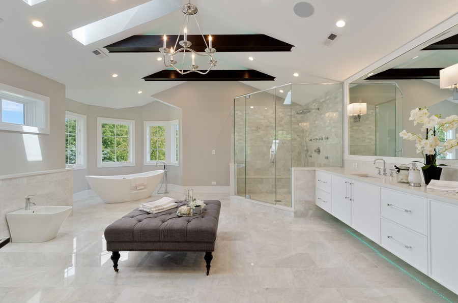 Real Estate Photography - 3602 Lawson Rd, Glenview, IL, 60026 - Master Bathroom