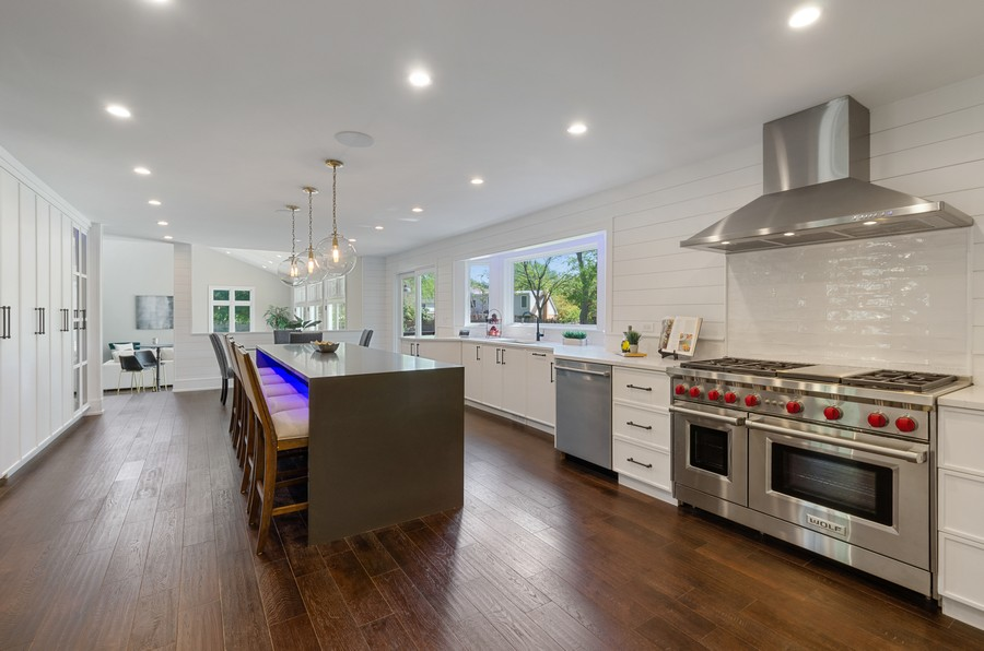 Real Estate Photography - 3602 Lawson Rd, Glenview, IL, 60026 - Kitchen