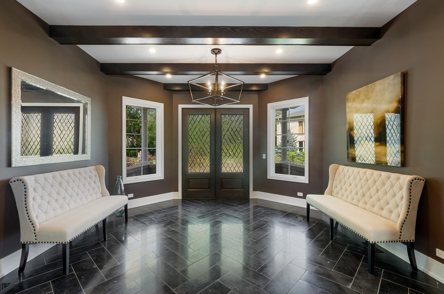 Real Estate Photography - 3602 Lawson Rd, Glenview, IL, 60026 - Foyer