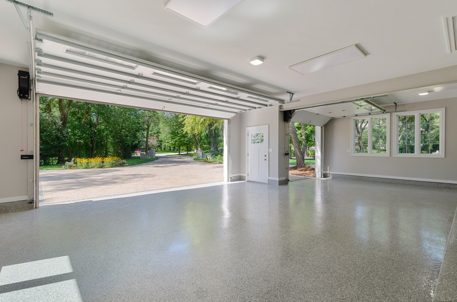Real Estate Photography - 3602 Lawson Rd, Glenview, IL, 60026 - Garage