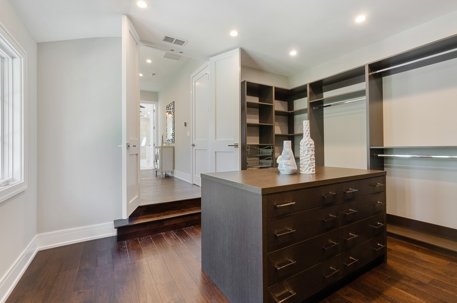 Real Estate Photography - 3602 Lawson Rd, Glenview, IL, 60026 - Master Bedroom Closet