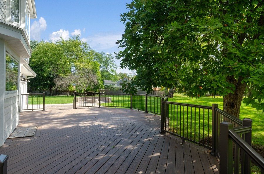 Real Estate Photography - 3602 Lawson Rd, Glenview, IL, 60026 - Patio
