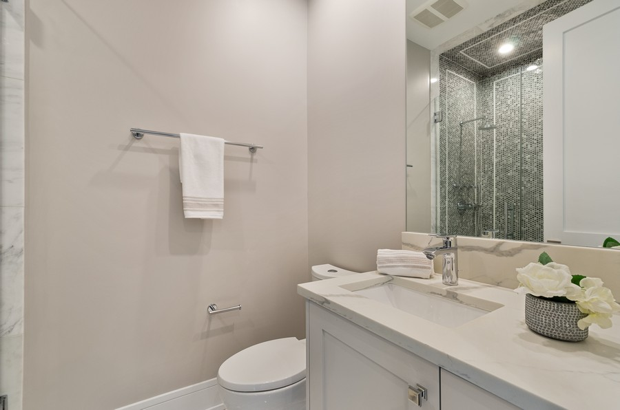 Real Estate Photography - 3602 Lawson Rd, Glenview, IL, 60026 - 2nd Bathroom