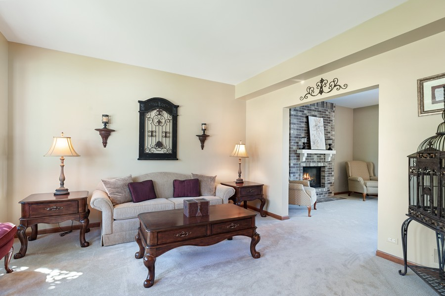 Real Estate Photography - 1723 Fairport Dr, Grayslake, IL, 60030 - Living Rm/Family Rm