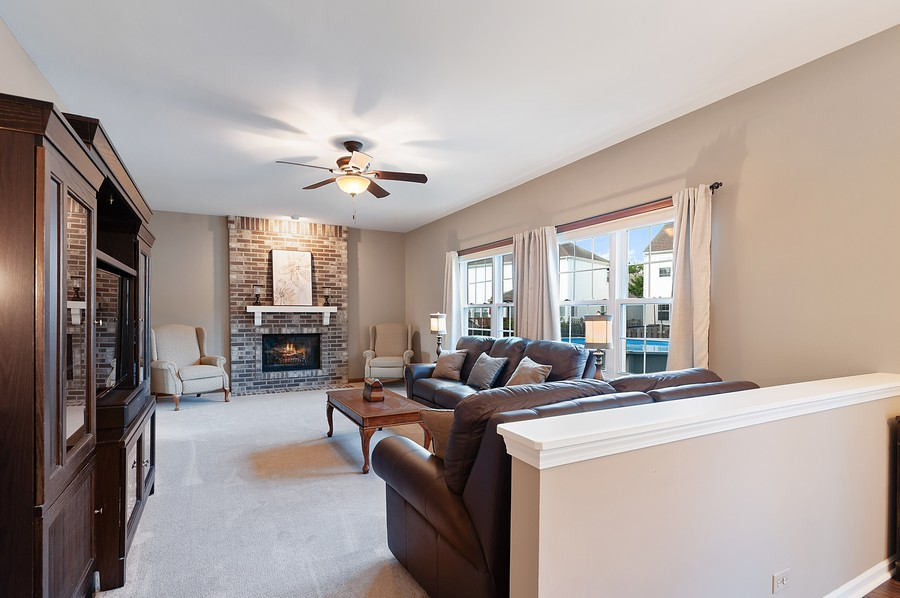 Real Estate Photography - 1723 Fairport Dr, Grayslake, IL, 60030 - Family Room