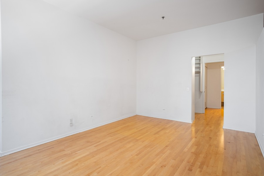 Real Estate Photography - 130 S. Canal St., #816, Chicago, IL, 60606 - Master Bedroom
