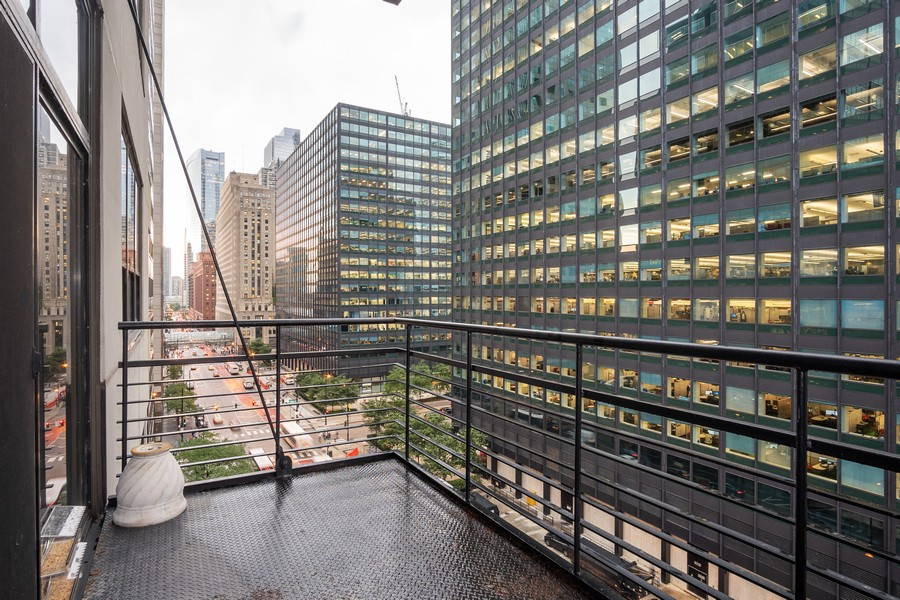 Real Estate Photography - 130 S. Canal St., #816, Chicago, IL, 60606 - Balcony