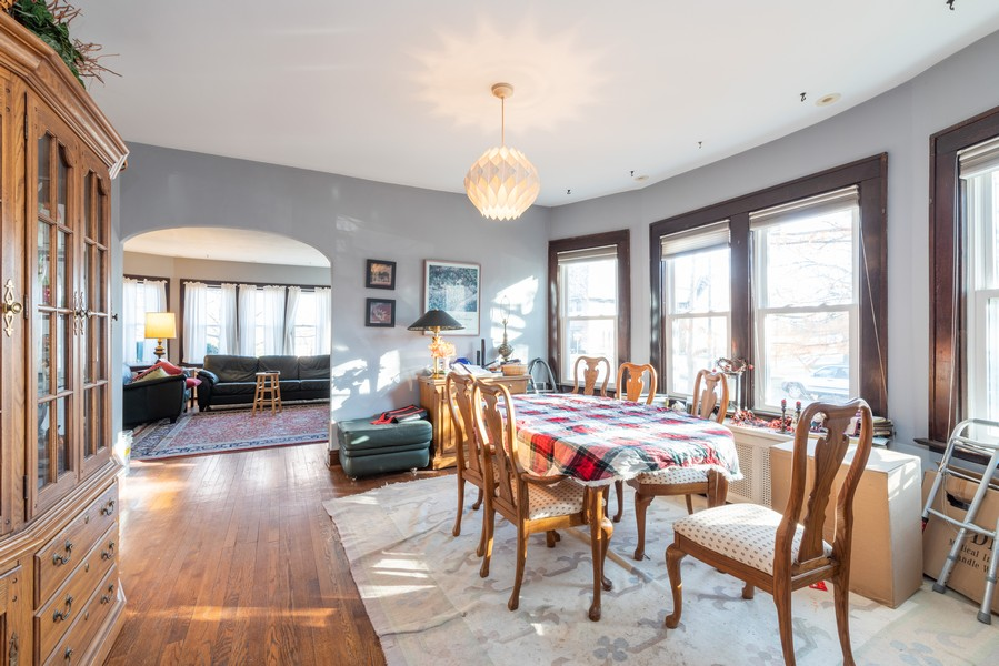 Real Estate Photography - 1100 Washington, Glenview, IL, 60025 - Dining Room