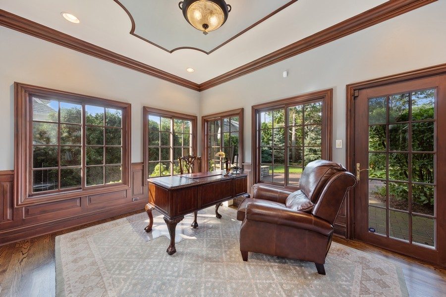 Real Estate Photography - 222 N Bruner, Hinsdale, IL, 60521 - Library