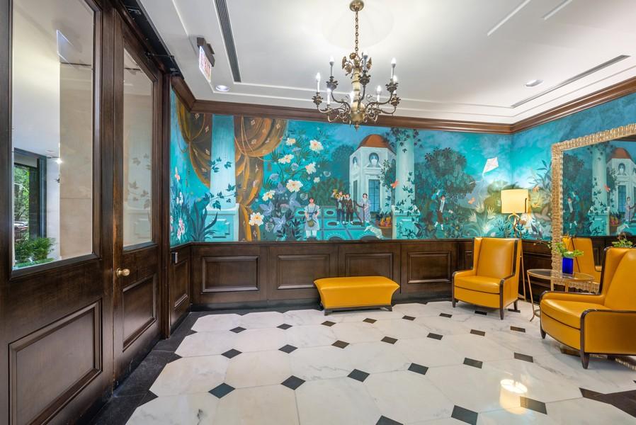 Real Estate Photography - 100 E Bellevue, Apt 25E, Chicago, IL, 60611 - Lobby