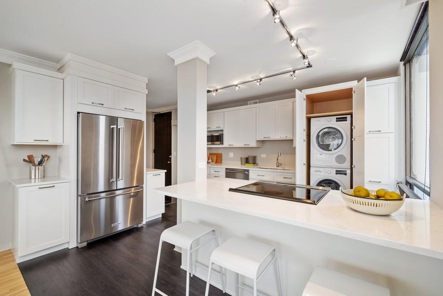 Real Estate Photography - 100 E Bellevue, Apt 25E, Chicago, IL, 60611 - Kitchen