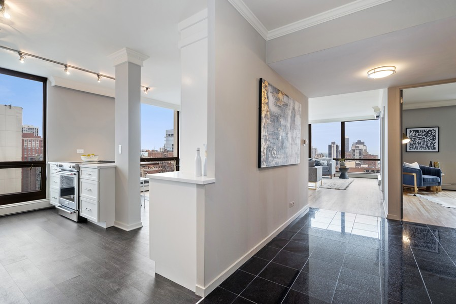 Real Estate Photography - 100 E Bellevue, Apt 25E, Chicago, IL, 60611 - Foyer