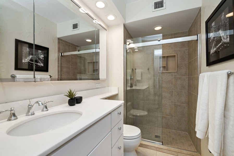 Real Estate Photography - 100 E Bellevue, Apt 25E, Chicago, IL, 60611 - 2nd Bathroom
