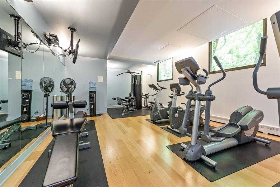 Real Estate Photography - 100 E Bellevue, Apt 25E, Chicago, IL, 60611 - Workout Room