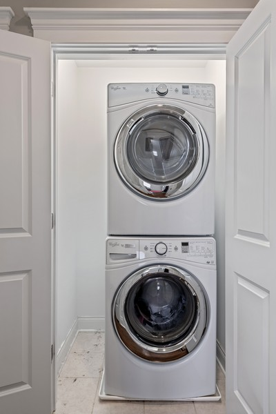 Real Estate Photography - 3222 N Southport Ave, Unit 2S, Chicago, IL, 60657 - Laundry