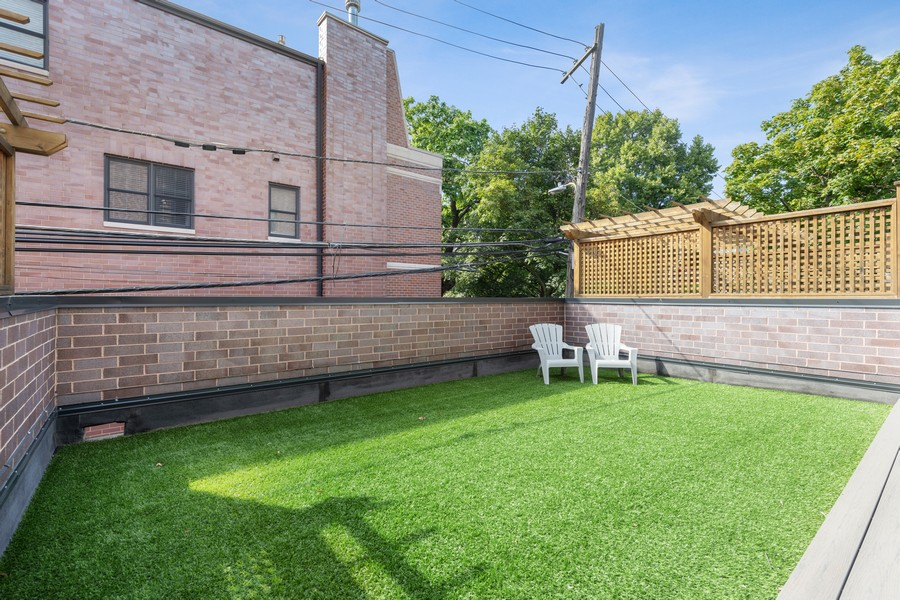 Real Estate Photography - 3222 N Southport Ave, Unit 2S, Chicago, IL, 60657 - Roof Deck
