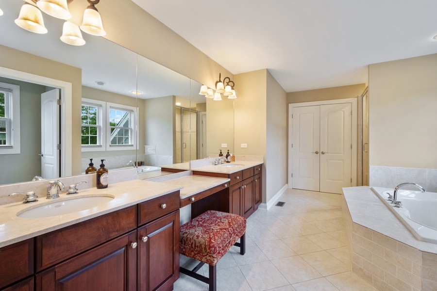 Real Estate Photography - 896 Hampstead Ct, Barrington, IL, 60010 - Master Bathroom