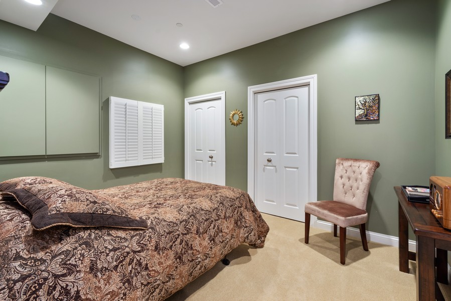 Real Estate Photography - 896 Hampstead Ct, Barrington, IL, 60010 - 5th Bedroom