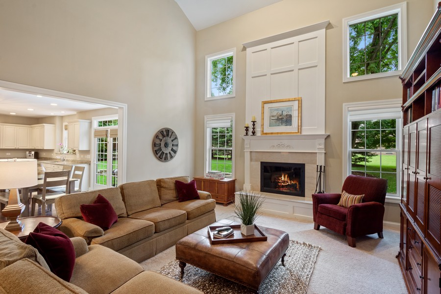 Real Estate Photography - 896 Hampstead Ct, Barrington, IL, 60010 - Family Room