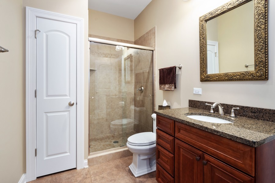 Real Estate Photography - 896 Hampstead Ct, Barrington, IL, 60010 - Lower Level Bathroom