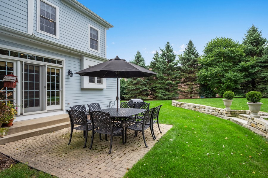 Real Estate Photography - 896 Hampstead Ct, Barrington, IL, 60010 - Patio