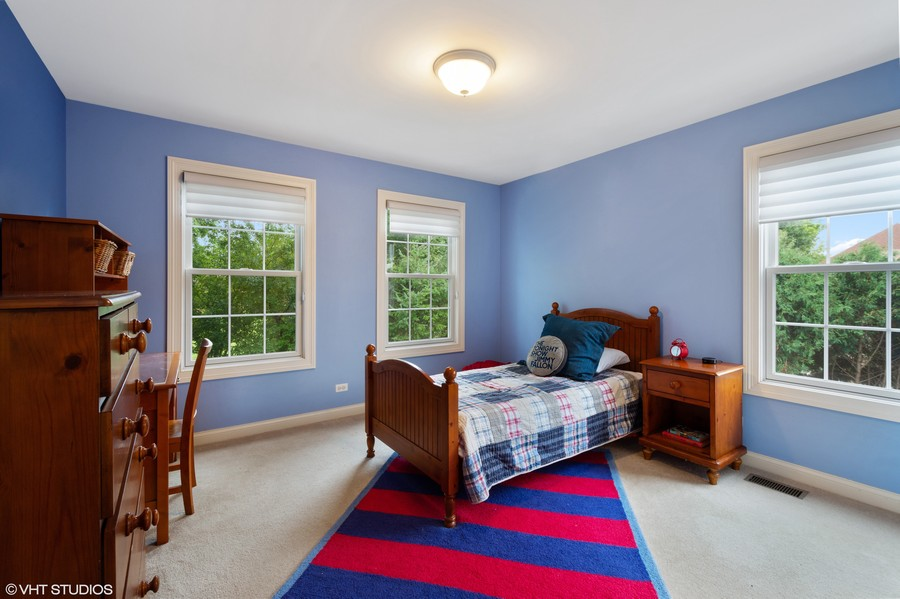 Real Estate Photography - 896 Hampstead Ct, Barrington, IL, 60010 - 2nd Bedroom
