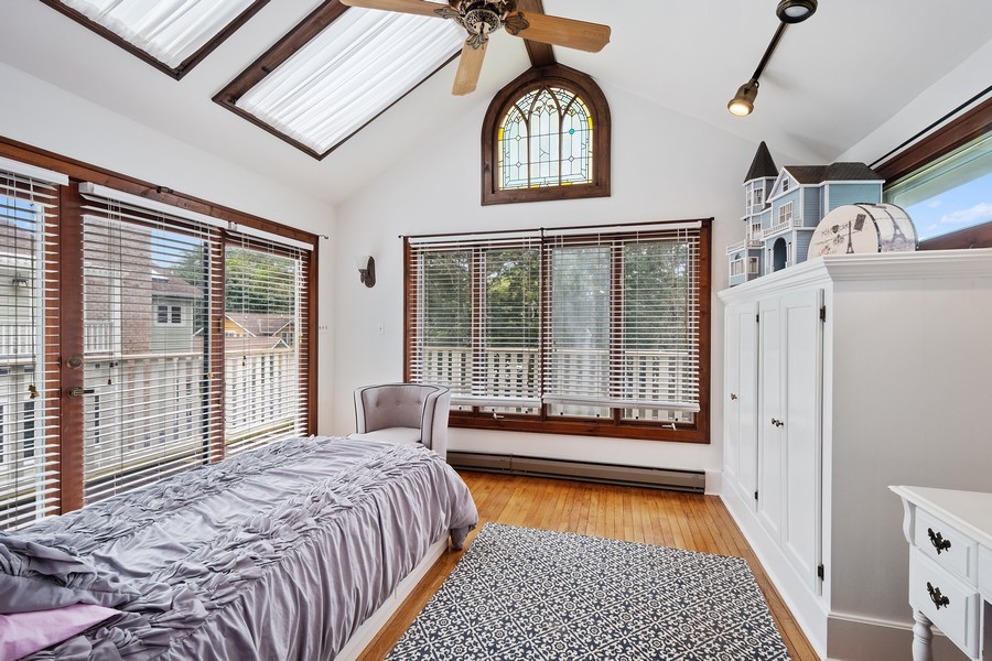 Real Estate Photography - 512 S Grove Ave, Barrington, IL, 60010 - 4th Bedroom