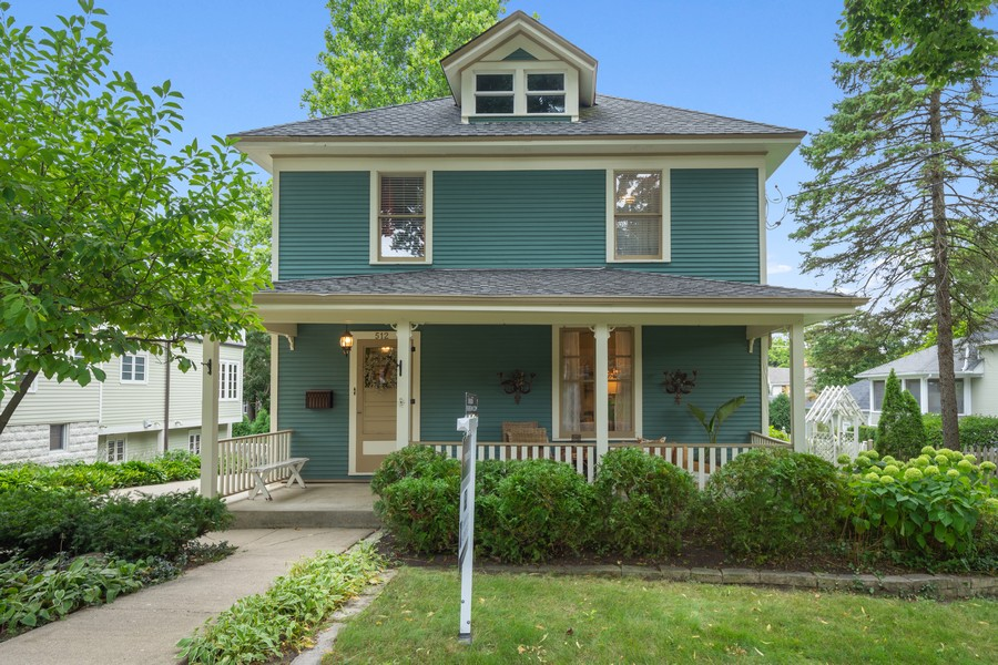 Real Estate Photography - 512 S Grove Ave, Barrington, IL, 60010 - Front View