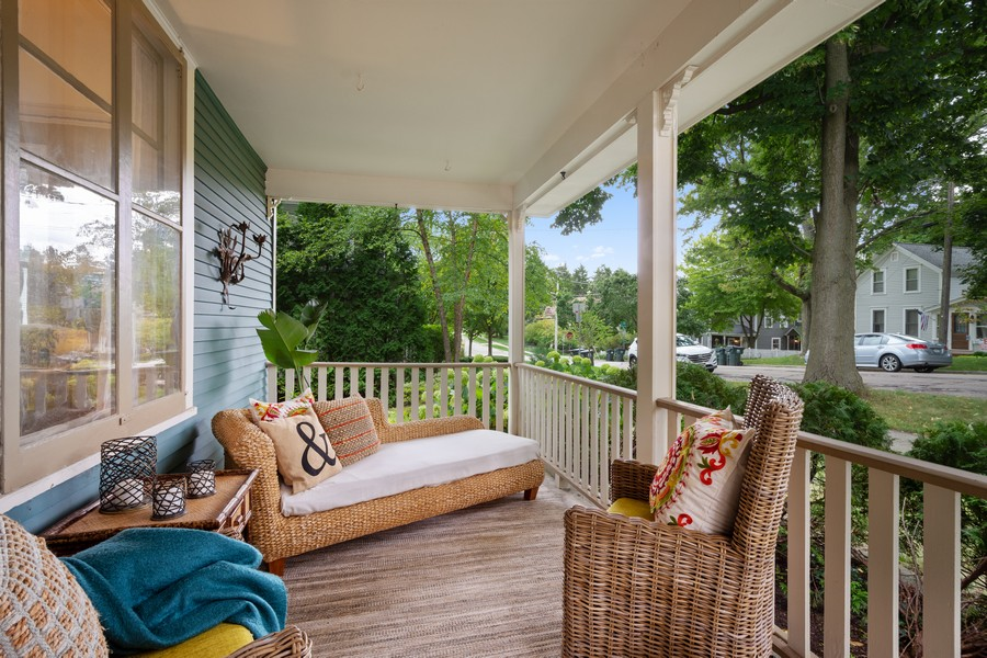 Real Estate Photography - 512 S Grove Ave, Barrington, IL, 60010 - Porch