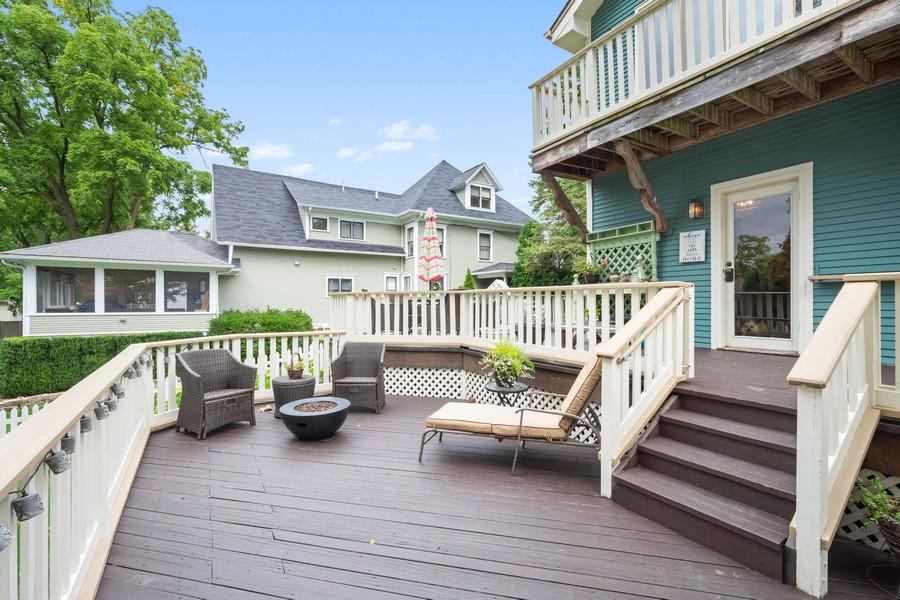 Real Estate Photography - 512 S Grove Ave, Barrington, IL, 60010 - Deck