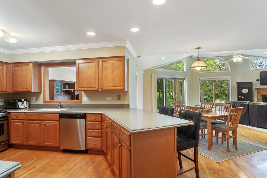 Real Estate Photography - 1118 Larraway Dr, Buffalo Grove, IL, 60089 - Kitchen