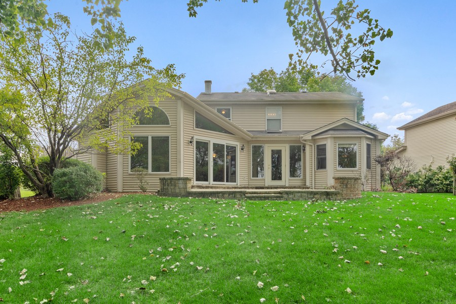 Real Estate Photography - 1118 Larraway Dr, Buffalo Grove, IL, 60089 - Exterior Back