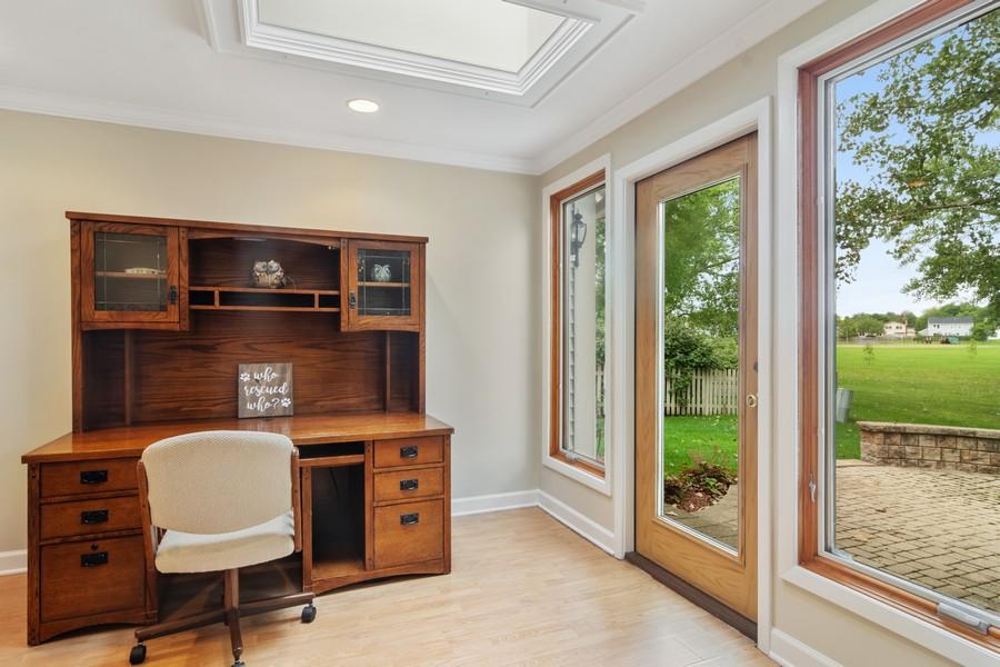 Real Estate Photography - 1118 Larraway Dr, Buffalo Grove, IL, 60089 - Sun Room