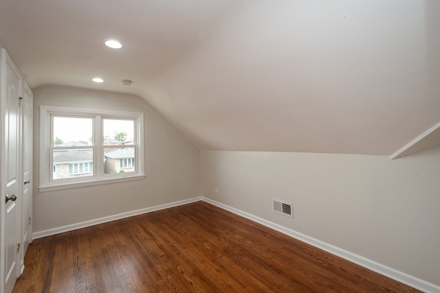 Real Estate Photography - 5542 S Nagle, Chicago, IL, 60638 - 3rd Floor