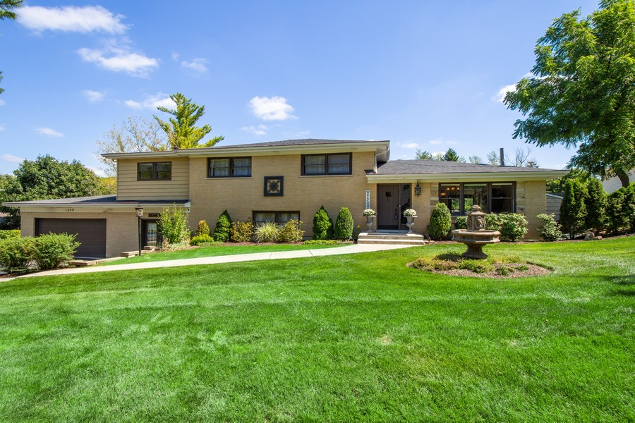 Real Estate Photography - 1209 S Division St, Barrington, IL, 60010 - Front View