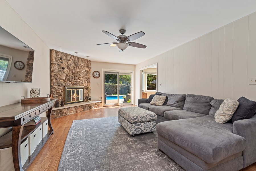 Real Estate Photography - 552 Hunter, Wilmette, IL, 60091 - Family Room