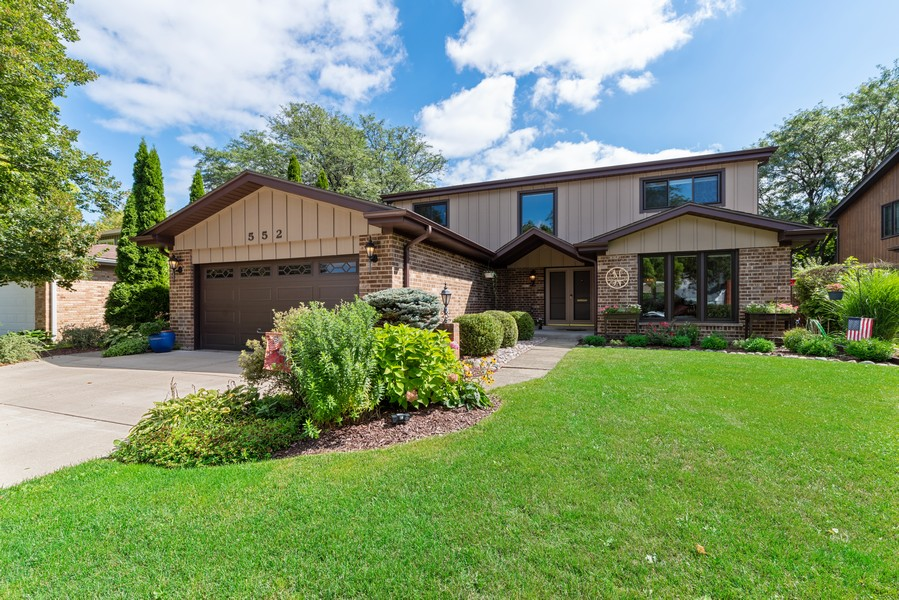 Real Estate Photography - 552 Hunter, Wilmette, IL, 60091 - Front View