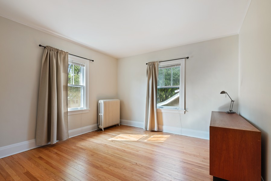Real Estate Photography - 102 5th St, Wilmette, IL, 60091 - 3rd Bedroom