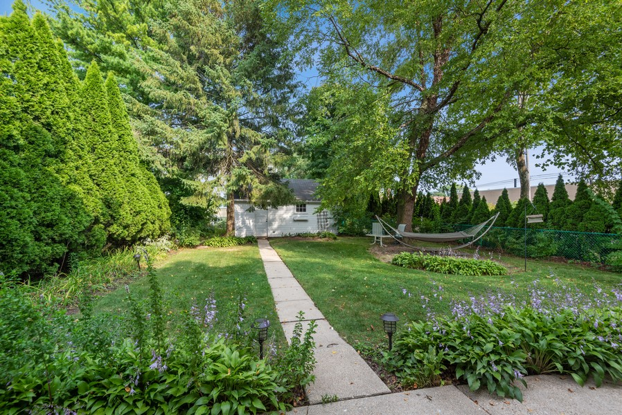 Real Estate Photography - 102 5th St, Wilmette, IL, 60091 - Back Yard